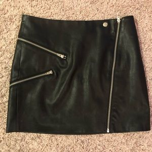 Kendall and Kylie zipper leather skirt